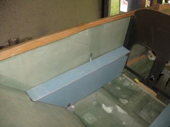 Chap 24 - Left front console & armrest