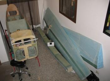Fuselage, CS spar and wings stored
