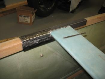 Left inboard aft side rail