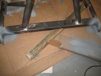 Weldable primer in corners