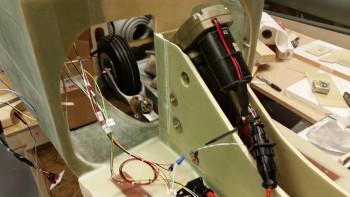 Gear actuator motor installed