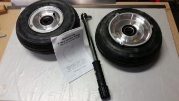 Main gear wheel bolts torqued to specs