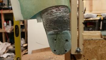 Right heat shield gear leg notch cut