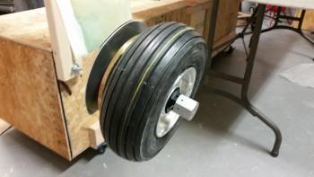 Van's threaded wheel pant axle mount