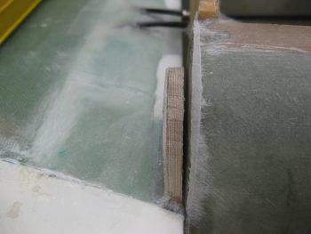 Slight gap between left tab & F28